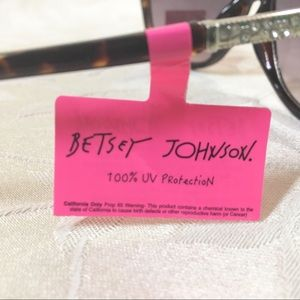 320d9be10ec4 Betsey Johnson Accessories - 🆕Betsey Johnson Sunglasses